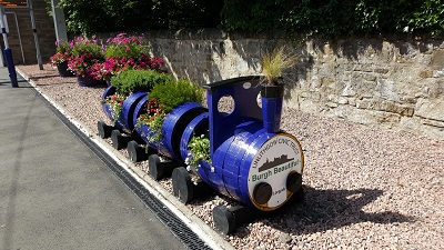 Train Planters from front